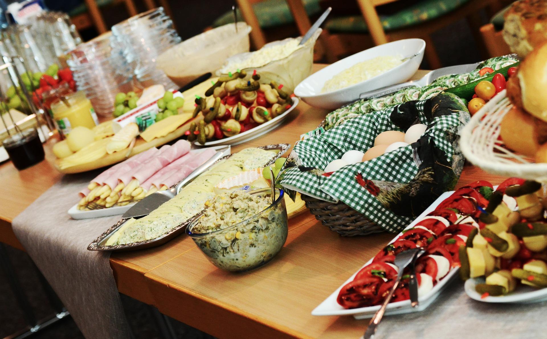 Vrijdag 18 september - Gastentafel: buffet van streek producten.