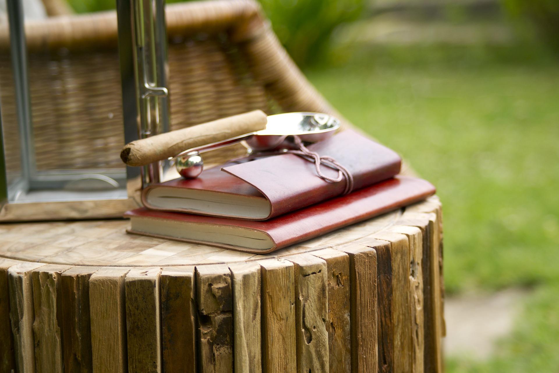 Weekend 10-12 july - travel book